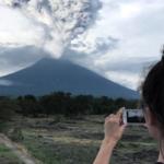 Извержение вулкана Агунг на о. Бали не испугало туристов